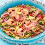Como preparar ceviche con aguacate y camarón de estilo mexicano